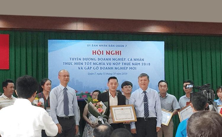 BIN Holdings Vinh Dự Được Cục Trưởng Cục Thuế Tp.hcm Trao Tặng Bằng Khen